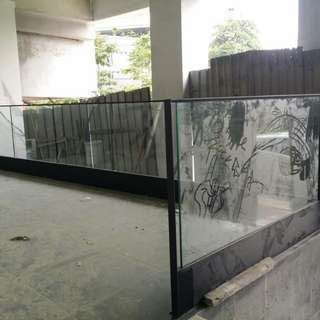 Embedded Glass Fence Custom