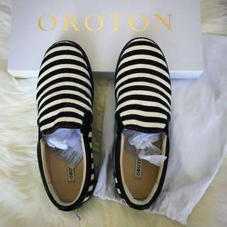 Oroton Leather Upper and Lining Flats⭐️