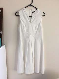 CUE - Perfect White Dress - Size 8