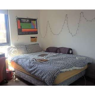 Selling a queen size Bed Base( may consider selling the mattress)