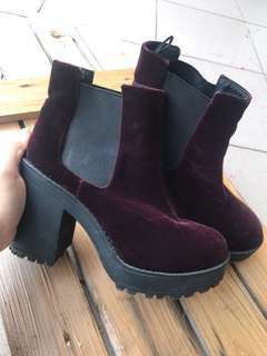 H&M Boots velvet ( 💯 Authentic)