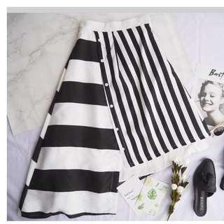 Asymmetry Contrast Skirt