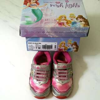 CLEARANCE - Stride Rite Shoe