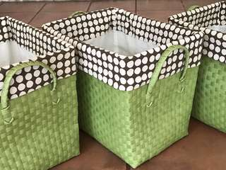 plastic basket with lining