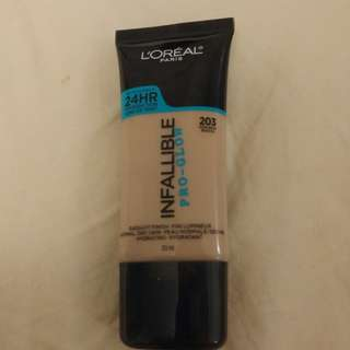 L'oreal Pro Glow Foundation
