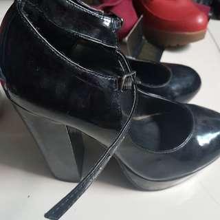 Forever 21 heels Size 6
