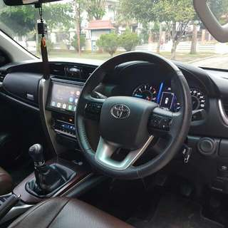 Toyota fortuner g manual