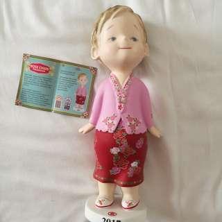 Cute girl statue (ROSE CHAN)