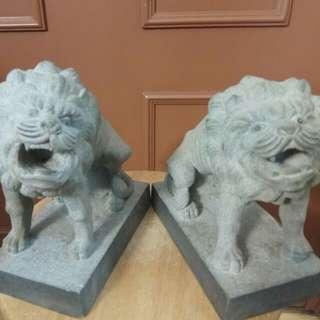 石獅子一對