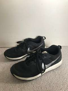 NIKE lifestyle shoes