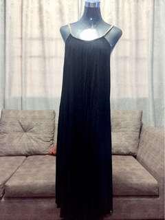Black maxi dress brandnew M-L