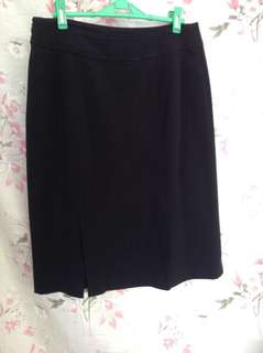 Black skirt with lining, size 6 petite