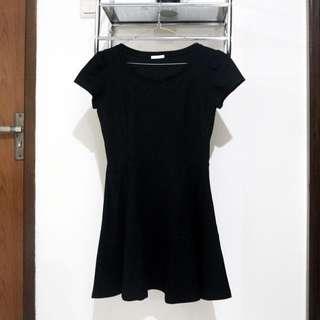Uniqlo Black Fit & Flare Dress