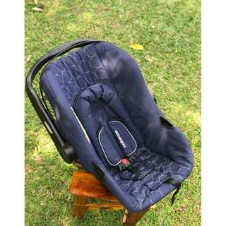 Mothercare - Car seat and carrier