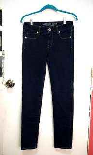 AMERICAN EAGLE stretchable skinny jeans