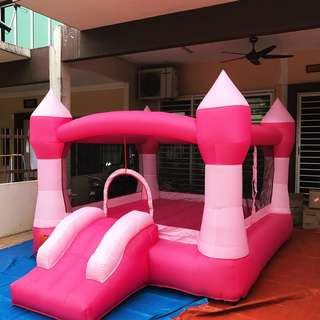 Outdoor bouncy playground + Blower for sale