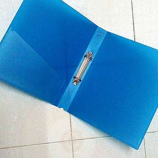 """A4 Plastic 2R Ring File 1.5"""""""