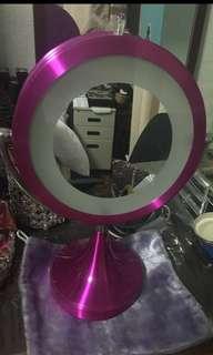 Vanity mirror w/ LED light