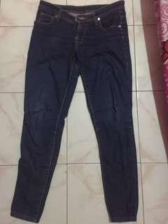 Celana levis jeans