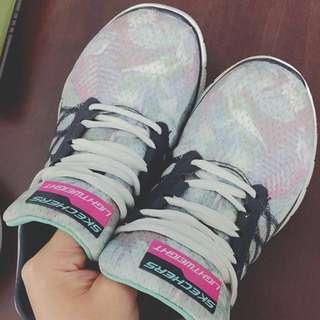 🚚 Skechers 慢跑鞋 #舊愛換新歡