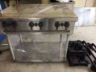 6 burners stove