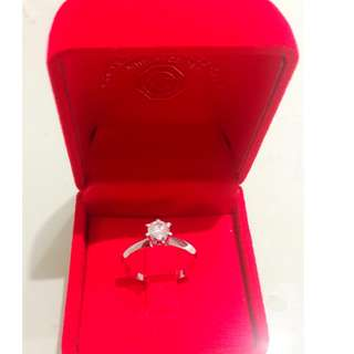 Diamond solitaire and white gold size 7.. Original  price  35k but im selling it in a lower price