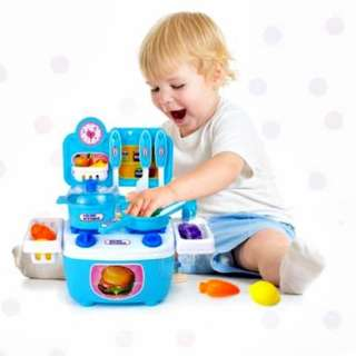 TODDLER KITCHEN STOOVE
