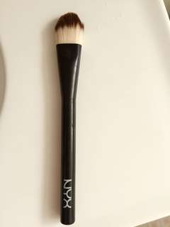 NYX Flat Foundation Brush