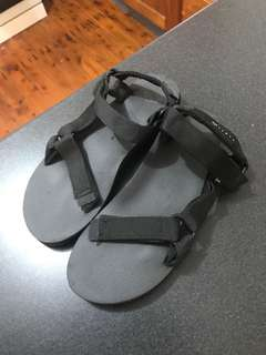 Size 8 Rusty sandals