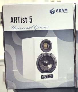 Adam Artist 5 白色 一對 white colour one pair