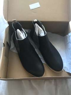 BNWT Rollie Boots RRP $179