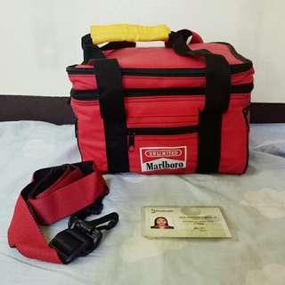 Vintage Marlboro Soft sided Travel Cooler/Lunch box duffle bag.