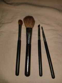 Brush set 4pcs
