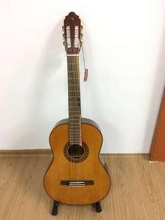 Valencia full size Classical Guitar CG190