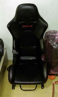 Bucket seat with Subaru Impreza rail