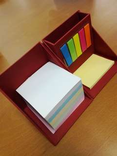 Sticky notes box with compartment