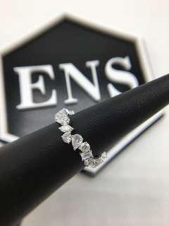 18K 不規則鑽石戒指