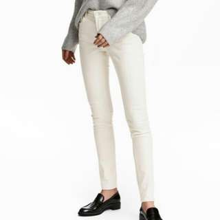 H&M skinny ankle white pants