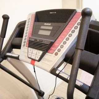 Reebok treadmill V7.9