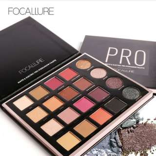 [REDUCED] 20 Colours Eyeshadow Pallete