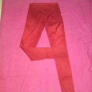 Celana jeans warna merah bahan soft