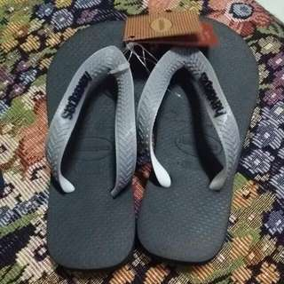REPRICED!! Authentic Havaianas For Kid...