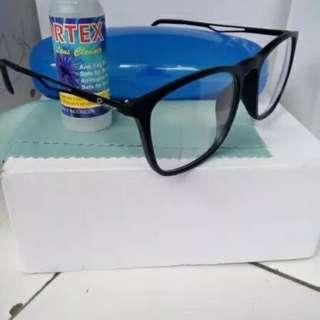 Kacamata minus antiradiasi komputer