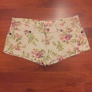Candie's hipster shorts