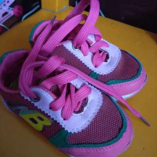 NB pink shoes
