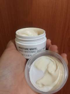 Body Shop Whitening night cream