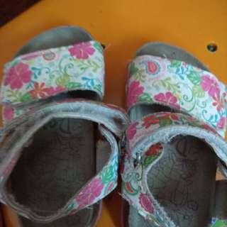 dora sandals