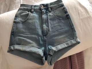 WRANGLER | 6 | XS | High Waist Fitted Pin Up Shorts | Crystal Blue