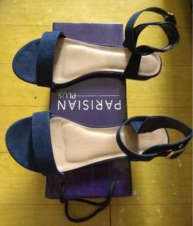 Parisian blue sandals size 10