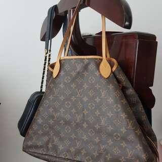 [Price Reduced] 💯LV Never Full Shoulder bag